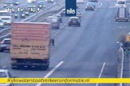 Spitsstrook bij Hilversum dicht door missende belijning: lange file richting Amersfoort