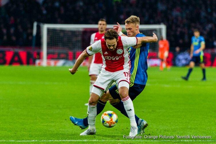 Ajax snel klaar met onthutsend zwak Feyenoord