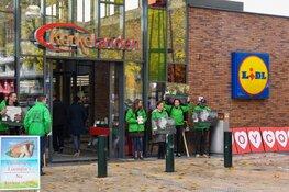 Demonstratie tegen konijnenvlees in Hilversum