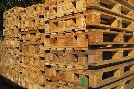 Honderd pallets gestolen van terrein achter bedrijf in Hilversum