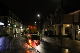 Mobiele kraam total loss na crash in Hilversum
