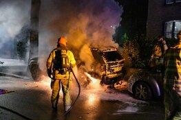 Auto in vlammen op in Hilversum