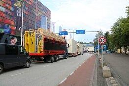 Kermis exploitanten demonstreren op mediapark Hilversum