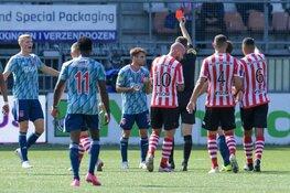 Ajax met tien man nipt langs Sparta
