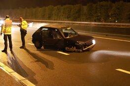 Auto total-loss na botsing op A1 bij Laren